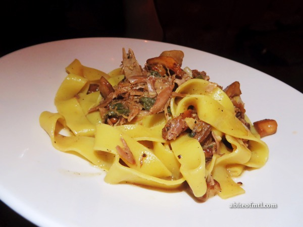 Venti Osteria - Fettucine ai funghi Fettucine with wild mushrooms ragu and roasted duck